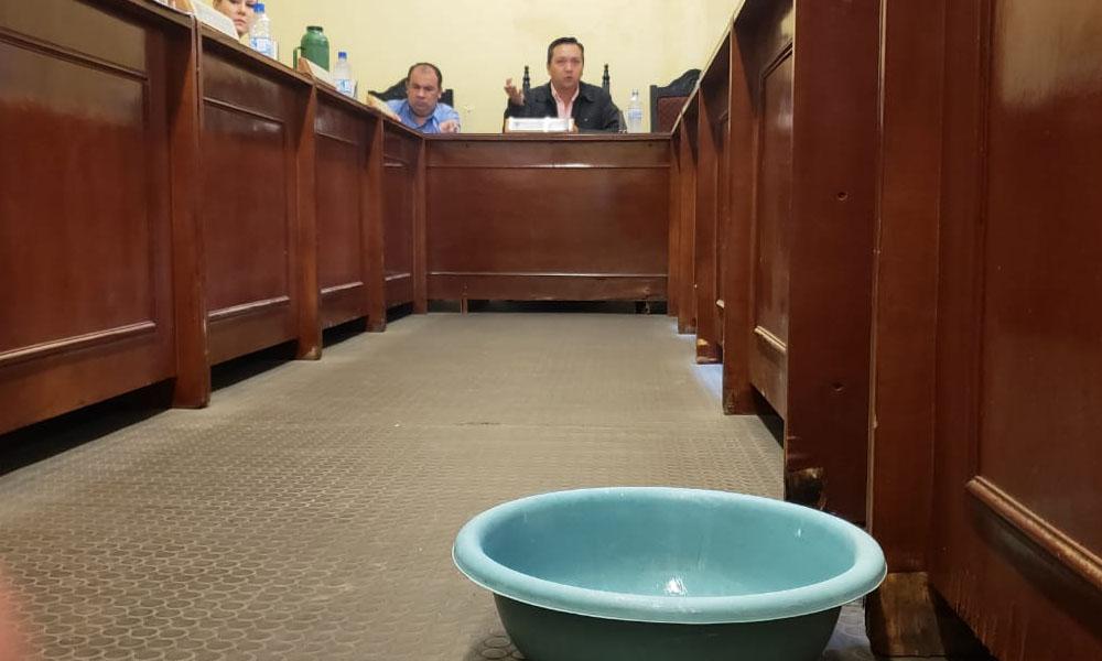 Junta Municipal 'hace aguas'