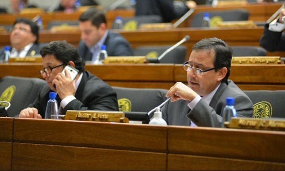 Pastor Vera Bejarano (derecha). Diputados. Foto://Paraguay.com
