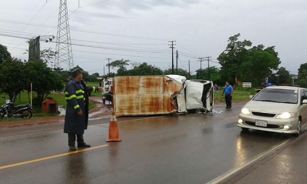 Cuádruple choque de vehículos sobre ruta VII deja lesionados