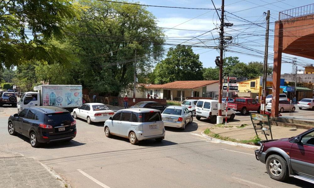 Caos en calles centricas de la ciudad de Coronel Oviedo. //OviedoPress
