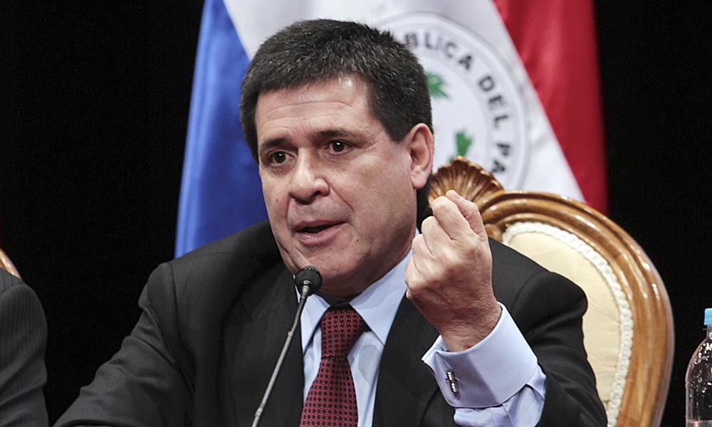 El presidente Horacio Cartes suspendió el pago de gratificaciones en instituciones del Ejecutivo Foto://www.radionacional.gov.py.