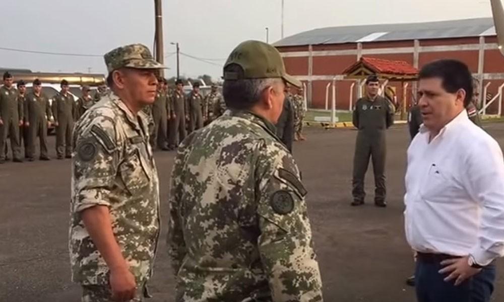 Cartes se reune con comandantes y jefes militares tras ataque guerrillero. //gacetamercantil.com.