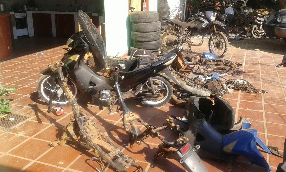 En el procedimiento se pudieron recuperar dos motocicletas y varias partes denunciadas anteriormente. //OviedoPress