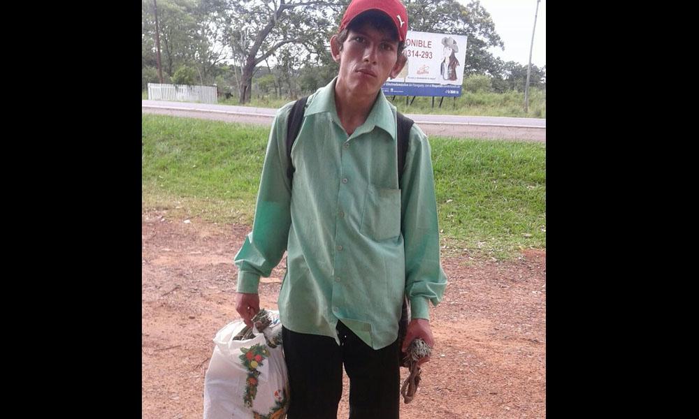 Cristian David Irala peregrina hace 5 años desde su natal Campo 9 hasta la Basílica de Caacupé. //OviedoPress
