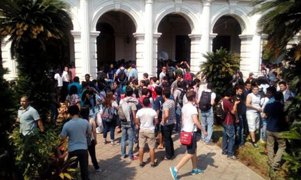 UNA: Levantan sesión de la Asamblea Universitaria luego de incidentes