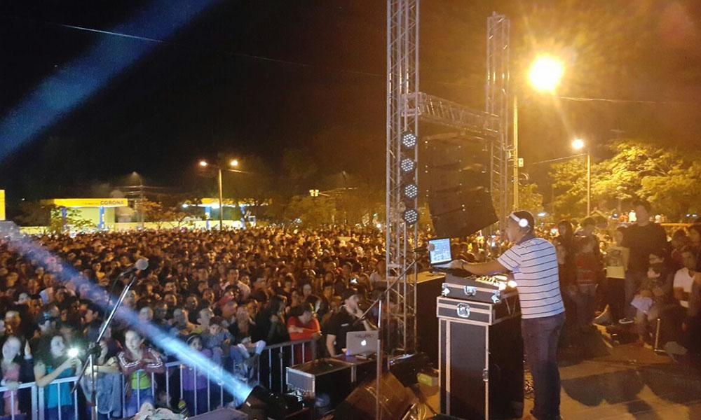 """Alegria, música y diversión. La plaza José Segundo Decoud fue sede del Festival """"Oviedo Joven"""". //OviedoPress"""