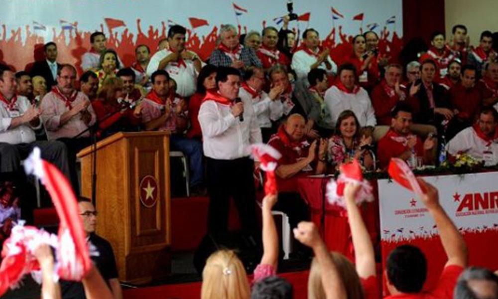 Horacio Cartes se lanzó contra la disidencia partidaria y la oposición a los que acusó de obstruir los planes sociales.
