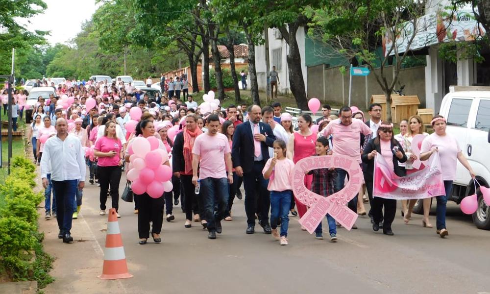 Coronel Oviedo marchó en adhesión a la lucha contra el cáncer de mama