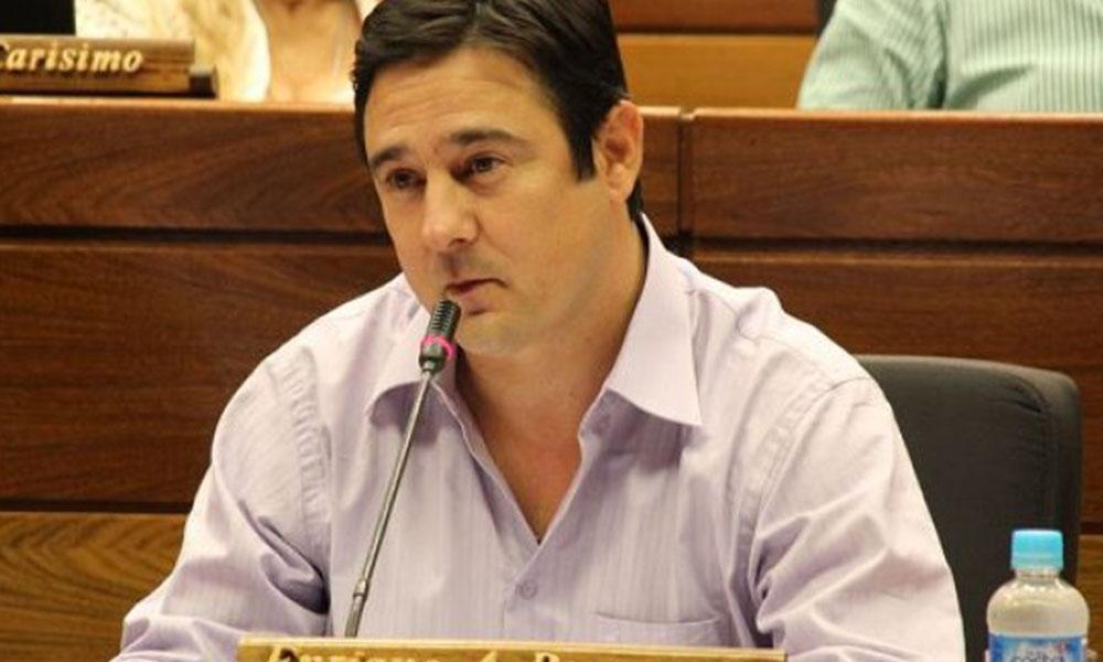 """""""Marito cometería un suicidio político si deja jurar a Cartes y Nicanor"""""""
