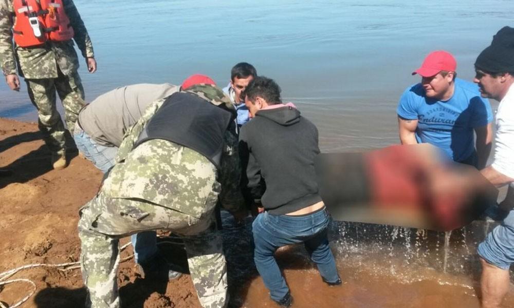 Ñeembucú: Hallan cuerpo de uno de los desaparecidos en aguas del riacho Paranamí