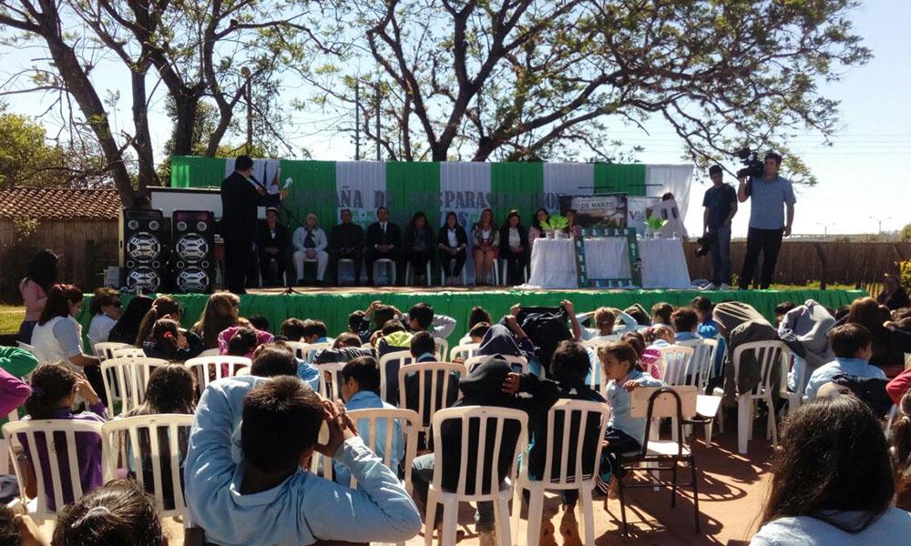 El lanzamiento de la campaña de desparacitación se realizó en la Escuela 1ro de Marzo de la ciudad de Coronel Oviedo. //OviedoPress