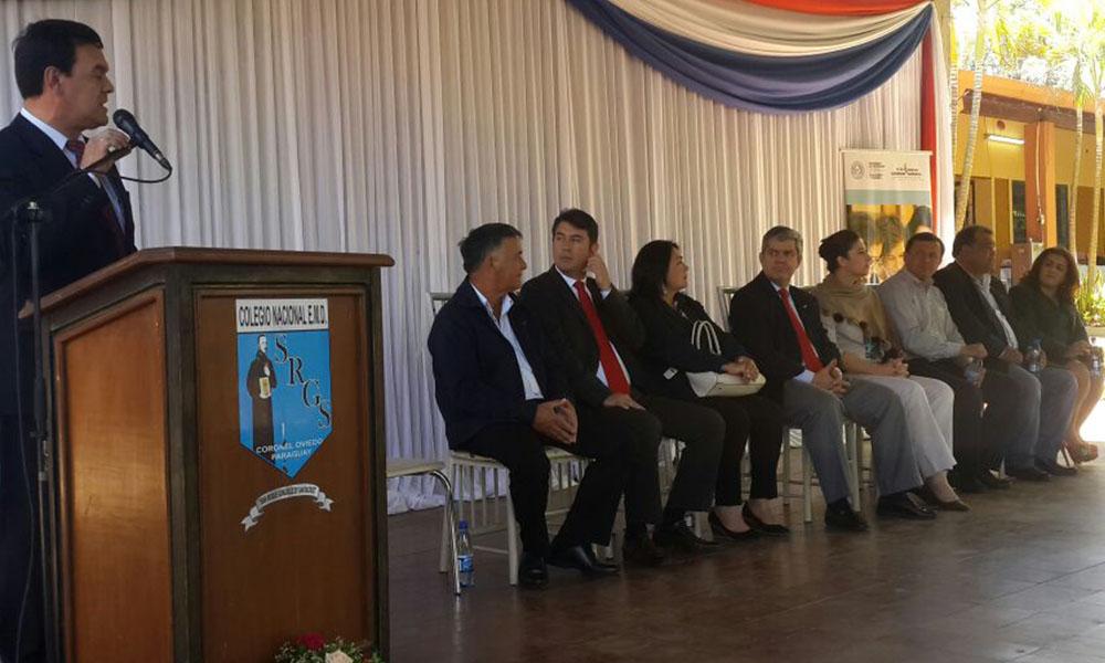 MEC entregó aportes a instituciones educativas de Coronel Oviedo