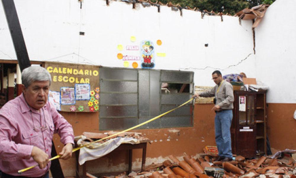 Más de 600 instituciones educativas en estado de emergencia aguardan el resultado de las licitaciones. // launion.com.py