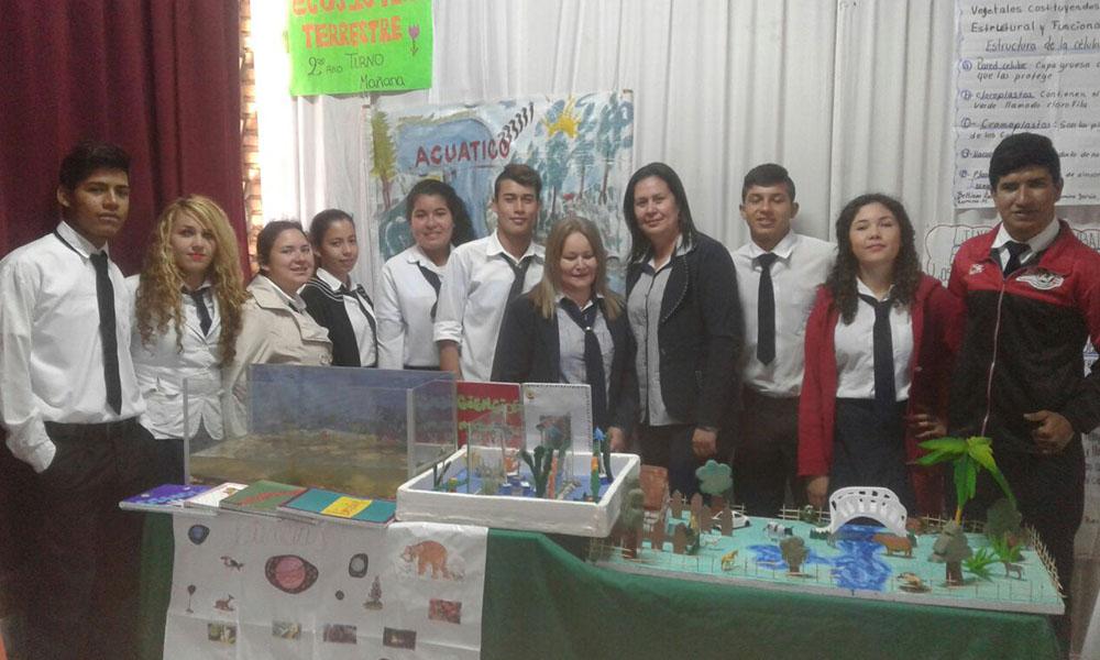 Exposición de trabajos por parte de los alumnos del colegio Nacional 12 de Junio. //OviedoPress
