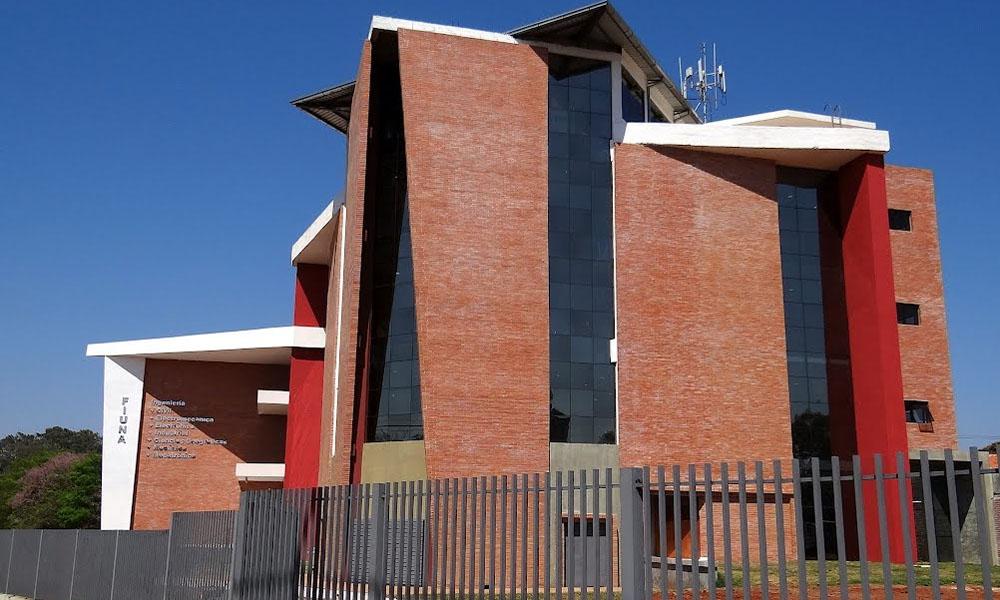 Facultad de Ingeniería - UNA - San Lorenzo, Paraguay. //panoramio.com