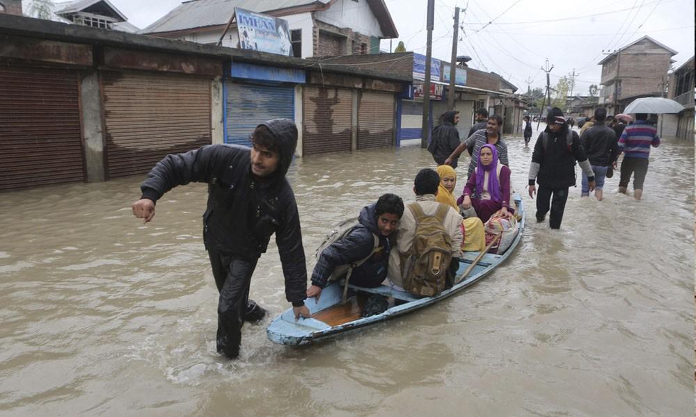 India bajo el agua por inundaciones. //www.info7.mx