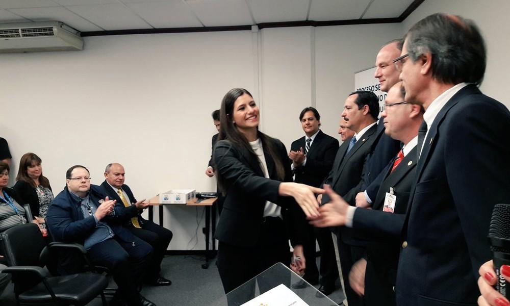 Incorporan 48 nuevos empleados a Itaipú