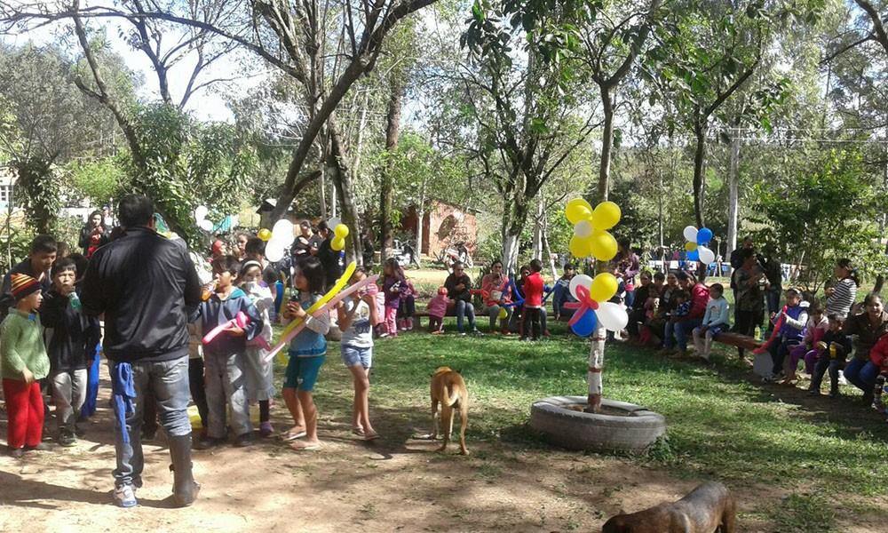 Festejo en la plaza del Territorio Social Juan Latín. //OviedoPress