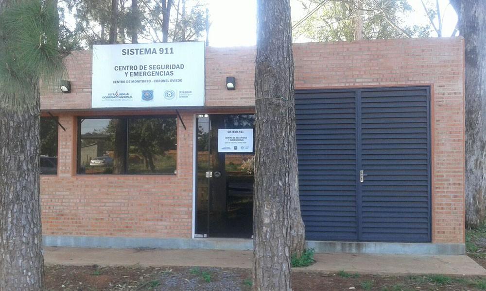 Oficina del Sistema 911 de la Policía Nacional, ubicada en el predio de la Sub Comisaria del Barrio Azucena de la ciudad de Coronel Oviedo. //OviedoPress