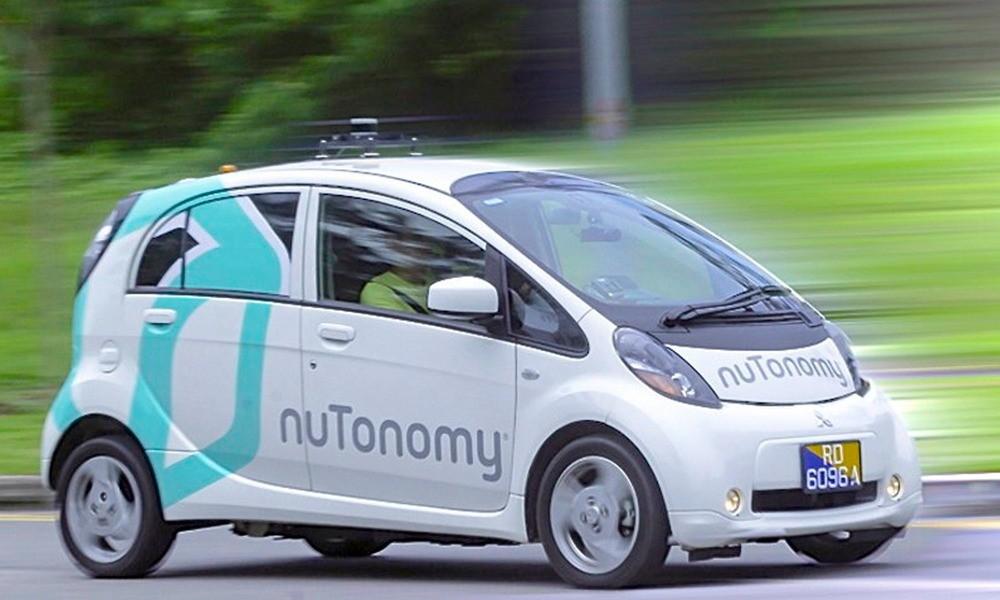 Primeras pruebas de taxis sin conductor en Singapur de la mano de NuTonomy. //hibridosyelectricos.com
