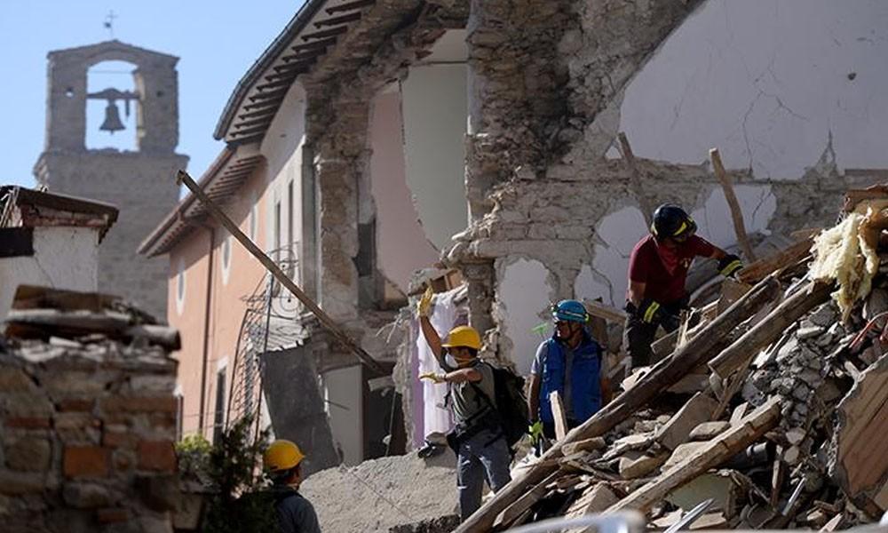 Continúan los trabajos de rescate tras terremoto en Italia. //lostiempos.com
