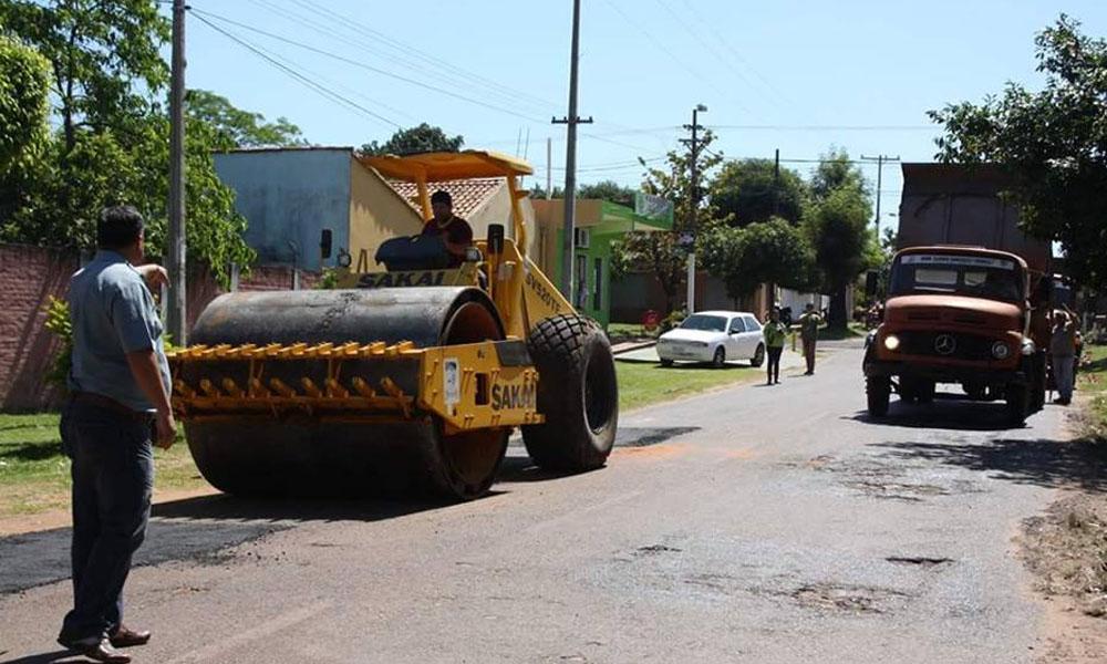 Los trabajos se realizan en las calles asfaltadas del casco urbano de la ciudad de Coronel Oviedo. //OviedoPress