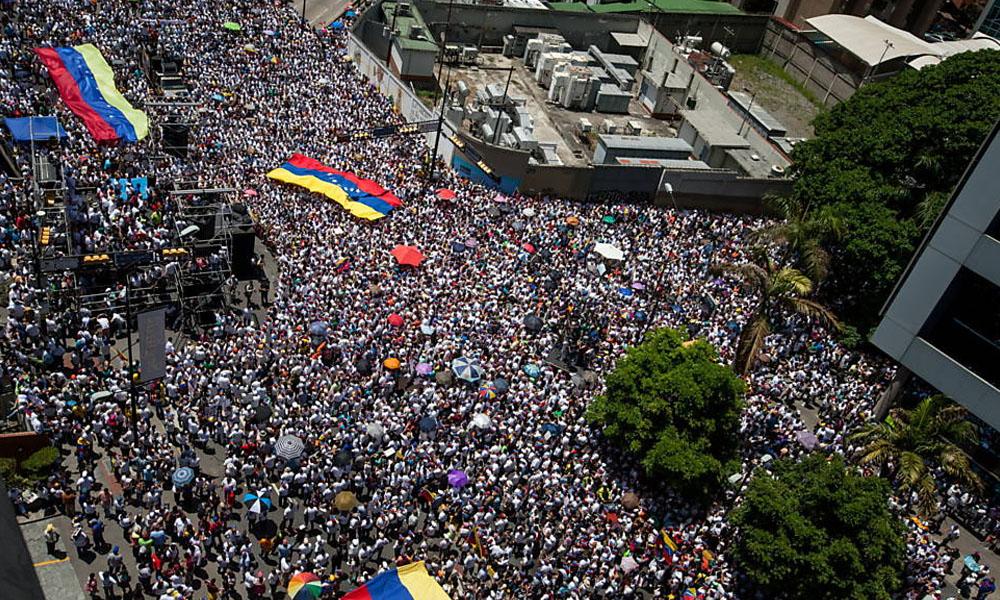 Venezuela: 1,2 millones de manifestantes. //f.i.uol.com.br