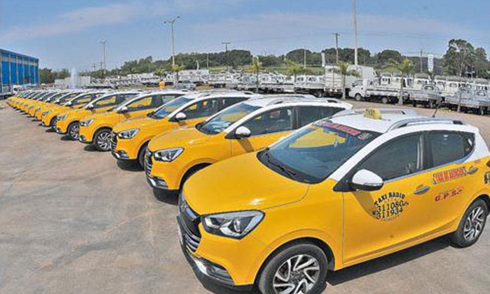 Enjambre amarillo. Flota de 15 SUV S2 cero kilómetro adquiridos por taxistas de Asunción. Foto://Ultimahora.com