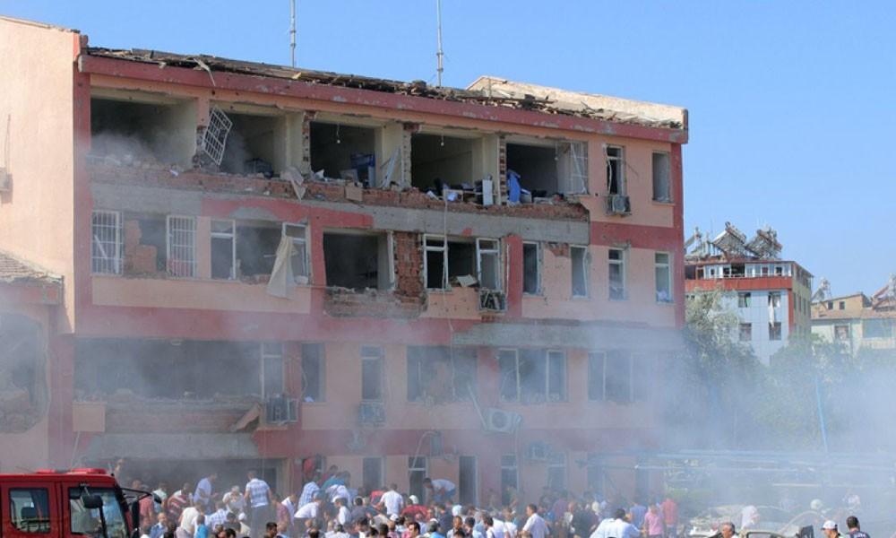 Atentado al este de Turquía deja tres muertos y 120 heridos