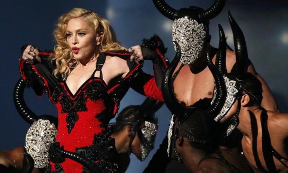 Madonna ofrece sexo oral a quien vote a Hillary Clinton