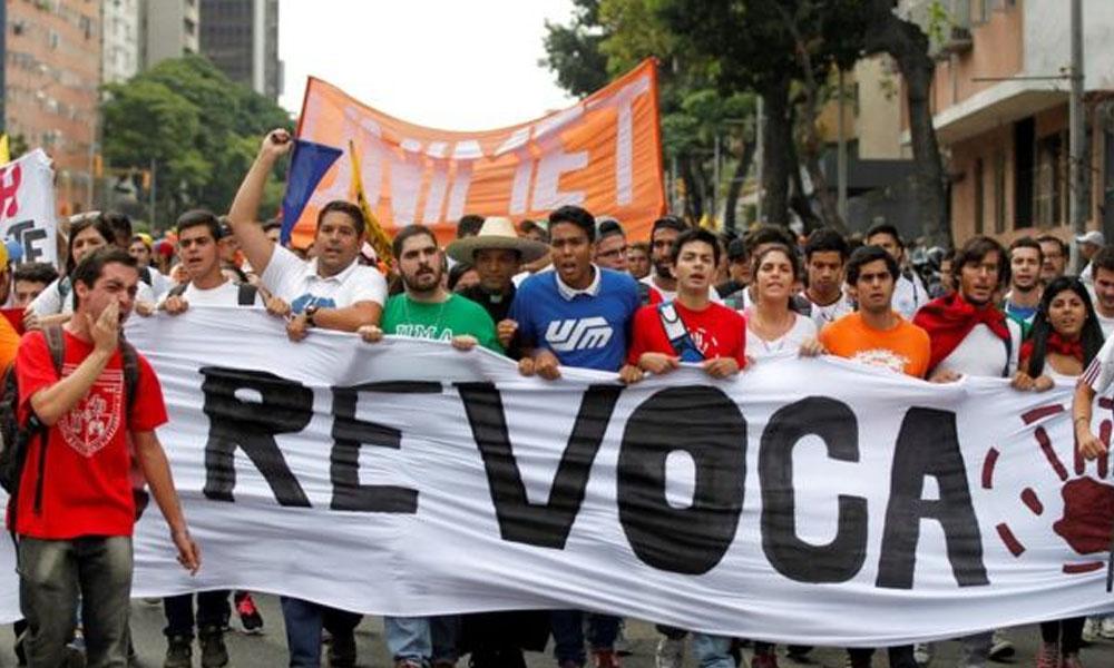 La oposición venezolana ha realizado numerosas manifestaciones callejeras para exigir la realización del referendo revocatorio. //bbc.com