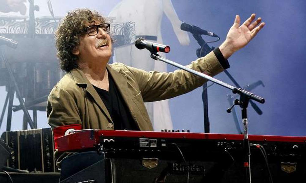 Hospitalizan al músico argentino Charly García por un cuadro de fiebre alta