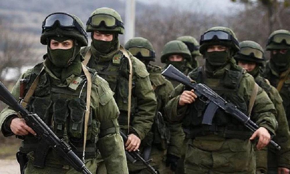 Soldados rusos en la base aérea de Hmeimym en la provincia de Latakia (Siria), el pasado mes de mayo. //b15noticias.com.mx