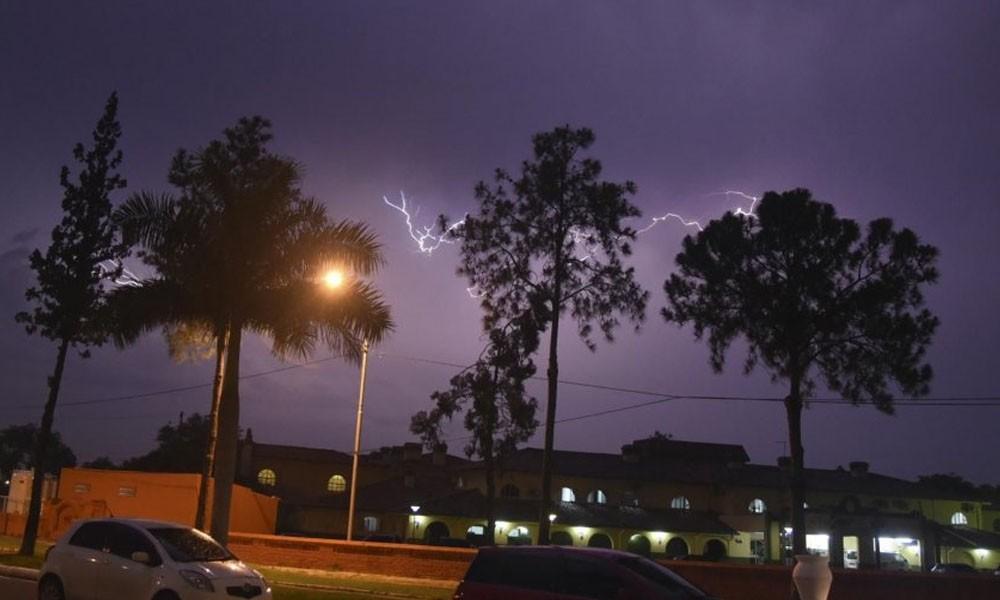 Meteorología: Alerta de tormentas para tres departamentos