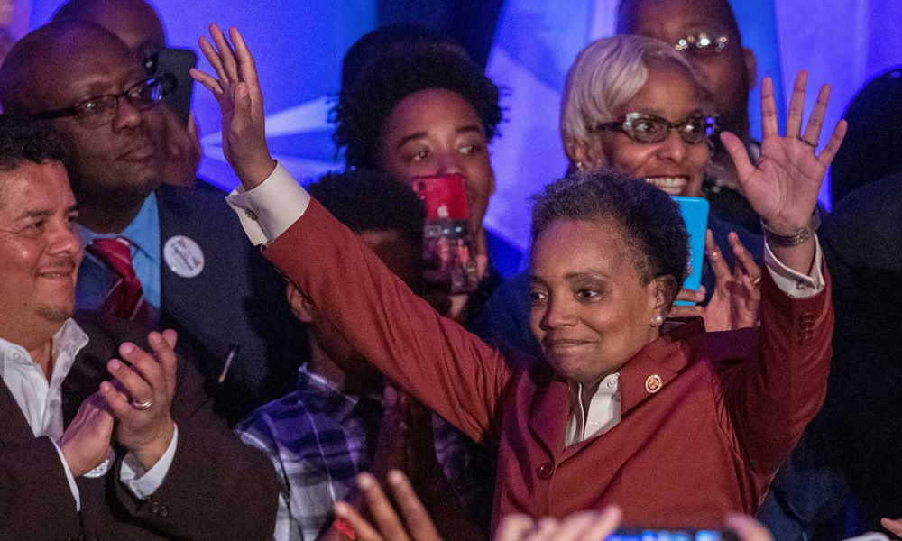 Chicago elige por primera vez una alcaldesa negra y gay