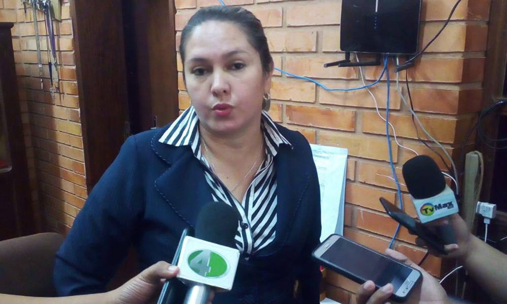 Directora del Enrique junta firmas sin hacer saber contenido de nota