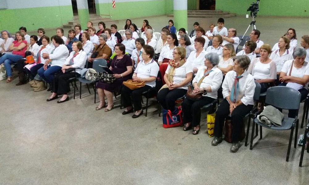 Jornada de integración entre los Clubes de Adultos Mayores de Colonias Unidas y Coronel Oviedo. //Gentileza - Arnaldo Roa