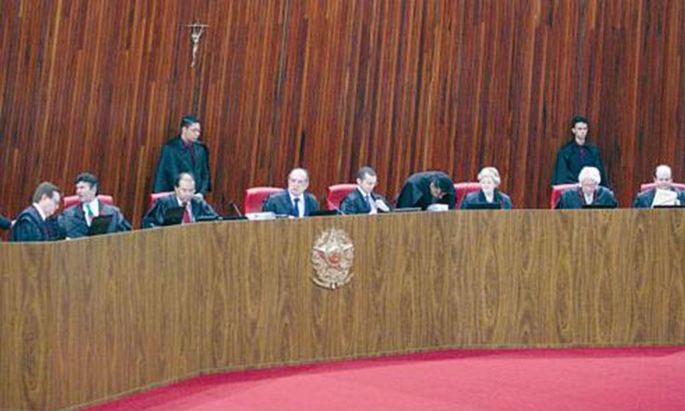 Temer salva su mandato ante la Corte Electoral de Brasil