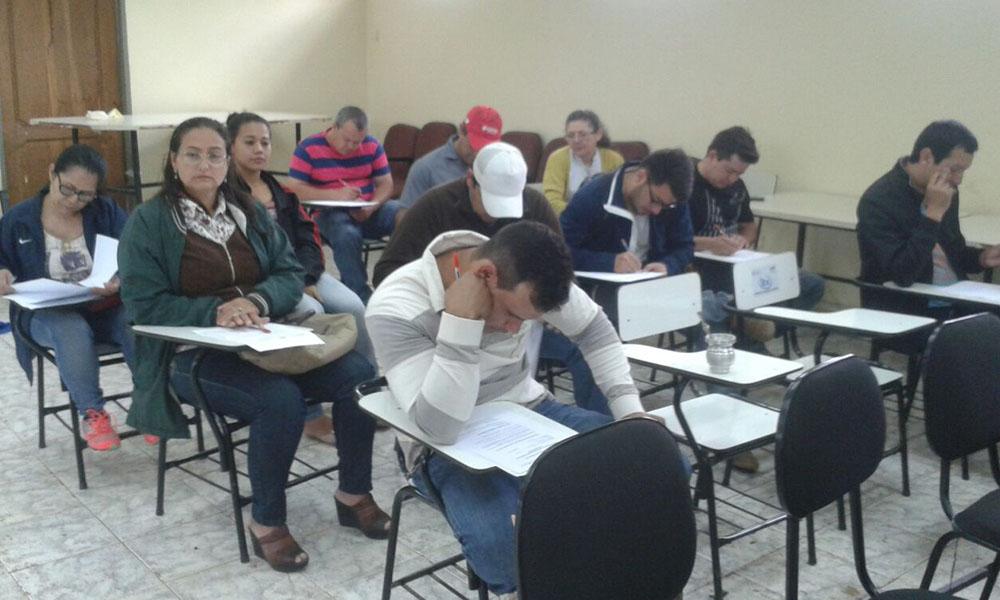 Los exámenes de Certificación Vocacional se llevan a cabo en la regional del SNPP de Coronel Oviedo. // Ramón Aveiro