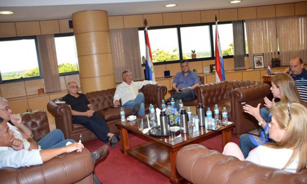 Reunión entre dirigentes de la oposición y la disidencia colorada. Foto://Ultimahora.com