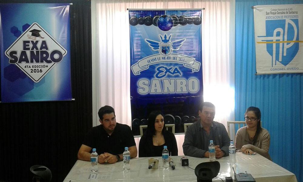 Participaron de la conferencia de prensa el Dj Álvaro Benítez, la Pta. de Exa Sanro la Dra. Mayra Rojas, el Director de la institución Lic. Elvio Chávez, y Jazmín Macoritto.