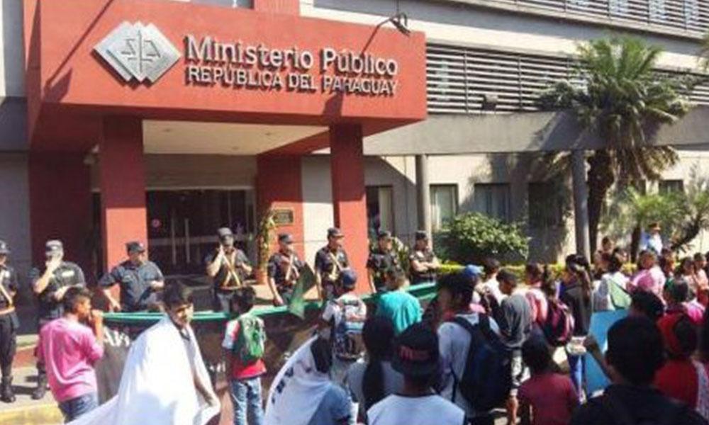 El grupo pidió que el Estado procese la titulación de sus tierras. Foto://Ultimahora.com