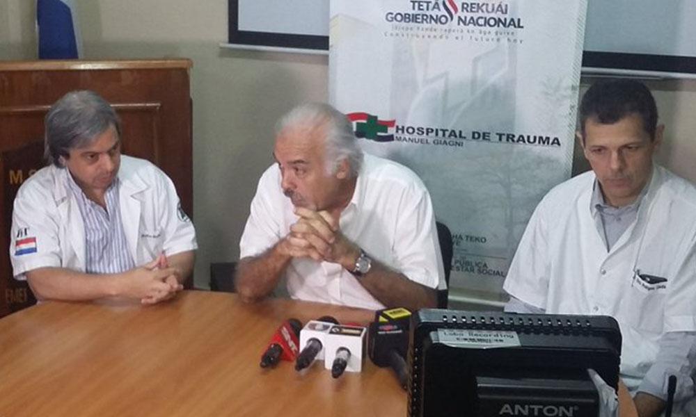Dr. Filártiga habla sobre el estado de la adolescente que fue intoxicada con soda cáustica. Foto://Paraguay.com