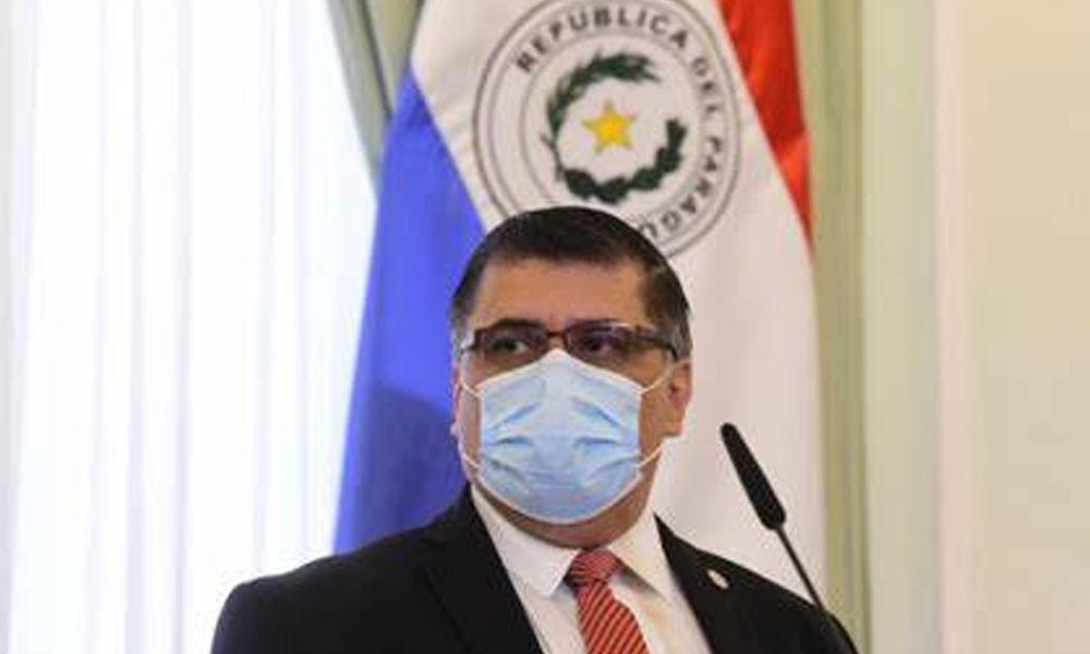 """Ministro de Salud se encuentra """"satisfecho"""" con avance de vacunación al 30% de la población"""