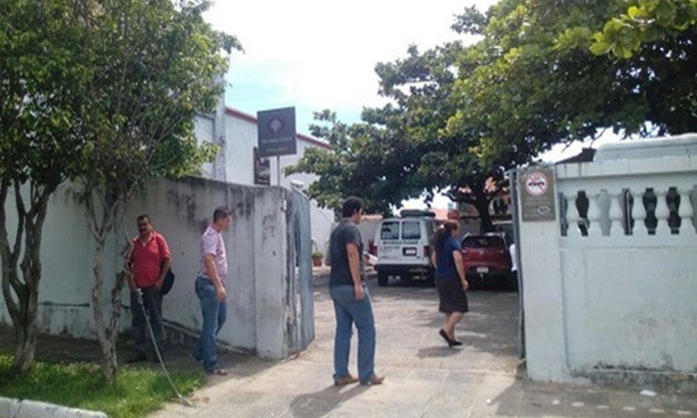 Familiares de la fallecida llegaron hasta la Morgue Judicial. Foto://Paraguay.com