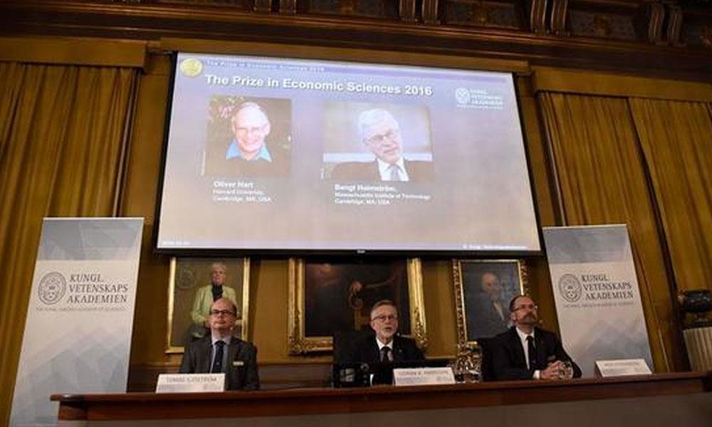 Acto de reconocimiento de los ganadores del Premio Nobel de Economía del 2016 //EFE