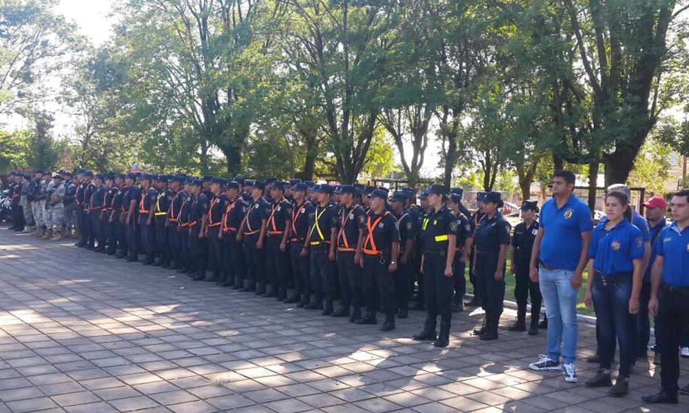 Acto de lanzamiento y presentación oficial del Operativo Año Paha, con presencia de los principales jefes policiales. Foto://Oviedopress