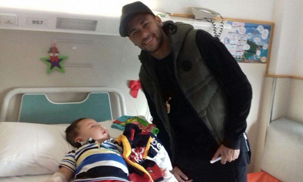 Neymar sorprendió a los padres de Albertito.