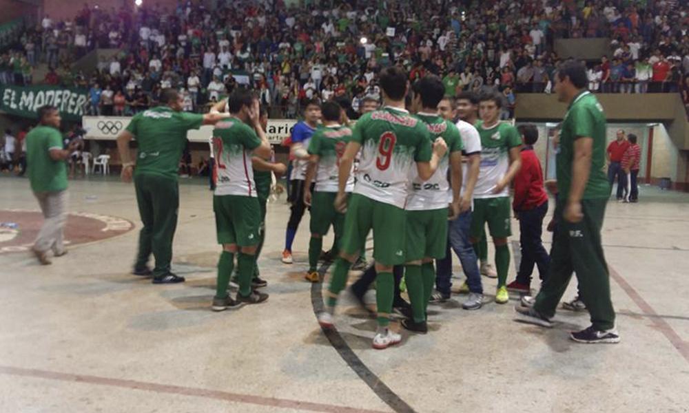 Festejo de la Selección Caaguaceña, tras el final del compromiso ante el conjunto ovetense//FútbolOvetense.