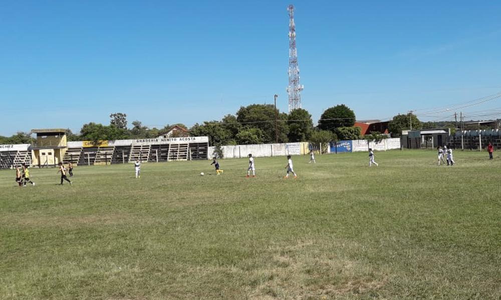 Escuelas de fútbol se aprestan para torneo de verano